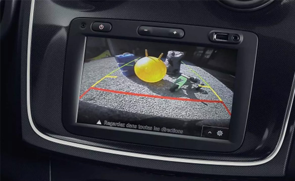 Dacia New Sandero Rear parking distance control and reversing camera